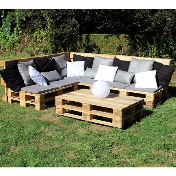 fabrication canap palette bois id es originales pour fabriquer votre salon de jardin en palette. Black Bedroom Furniture Sets. Home Design Ideas